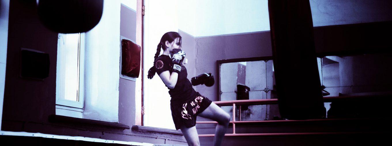 Pesada Bolsa De Boxeo Colgantes Boxeo Saco De Arena con La Cadena para Adultos Profesionales Y Principiantes Boxer Formaci/ón Sin Llenar,100cm LLFFDC Durable Bolsa De Boxeo Pesada